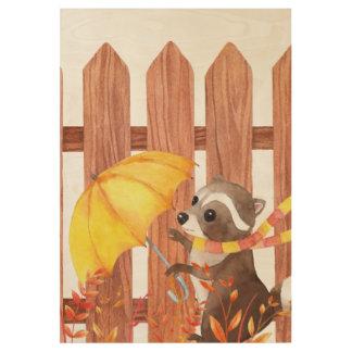 Racoon mit Regenschirm gehend durch Zaun Holzposter