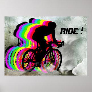 Radfahren in die Wolken Plakat