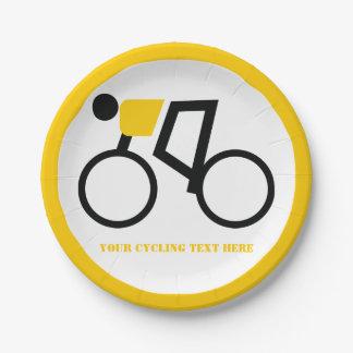 Radfahrer, der seine Fahrradikonen-Gelbgewohnheit Pappteller
