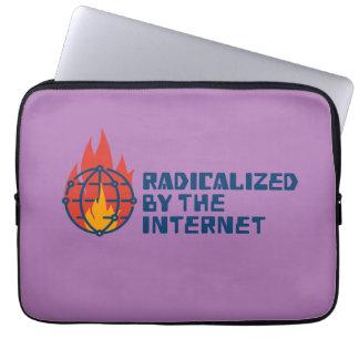 Radikalisiert durch das Internet Laptopschutzhülle