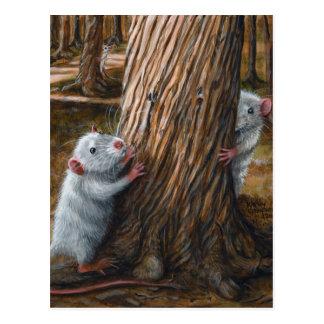 Ratten durch alte Baumverstecken Postkarte