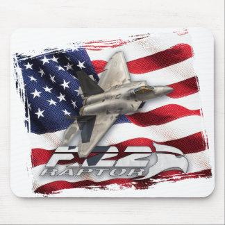 Raubvogel F-22 und amerikanische Flagge Mousepad