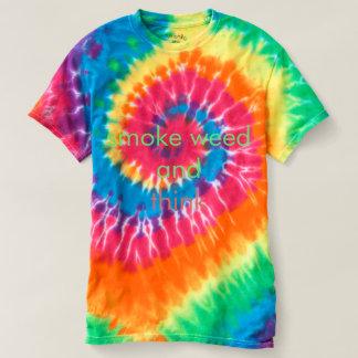 Rauchen Sie Unkraut und denken Sie T-shirt