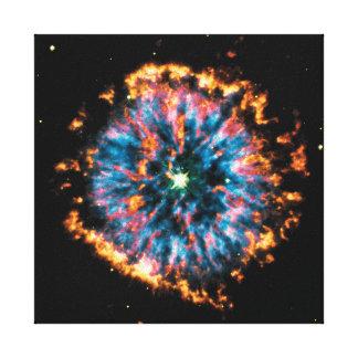 Raum-Foto des planetarischen Nebelfleck-NGC 6751 Leinwanddruck