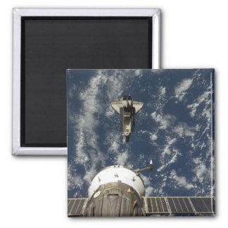 Raumfähre-Bemühung und ein Soyuz Raumfahrzeug Quadratischer Magnet