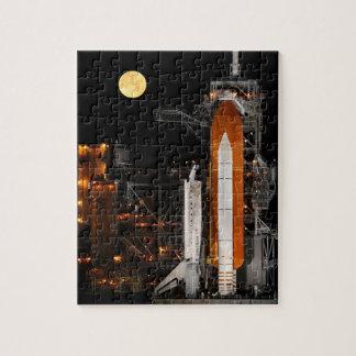 Raumfähre-Entdeckung und Mond Puzzle