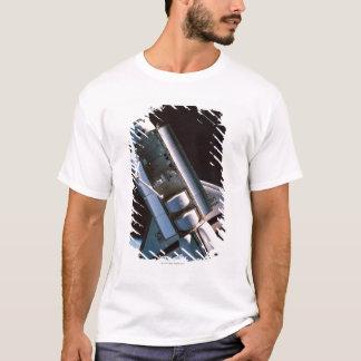 Raumfähre mit offenem Laderaum T-Shirt