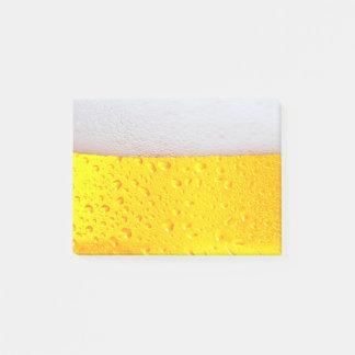 Realistisches Bier Post-it Klebezettel
