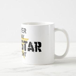 Rechtsanwalt-Rockstar bis zum Nacht Kaffeetasse