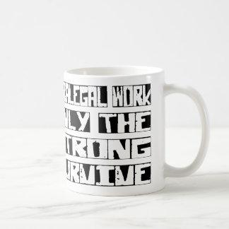 Rechtsassistent-Arbeit überleben Kaffeetasse