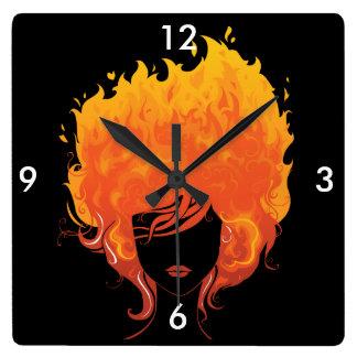 Redheaded Frau, rotes Feuer-Haar Wanduhren