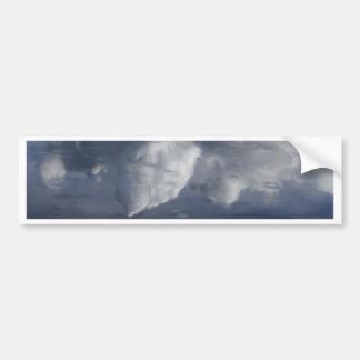 Reflexion der Wolken auf Wasser Autoaufkleber