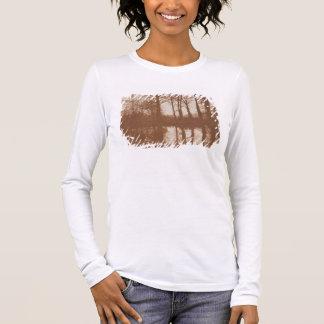 Reflexionen, 1843 (Sepia-Foto) Langarm T-Shirt
