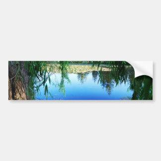Reflexionen auf einem See Autoaufkleber
