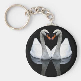 Reflexionen der Liebe, Herz-Form, weiße Schwäne Schlüsselanhänger