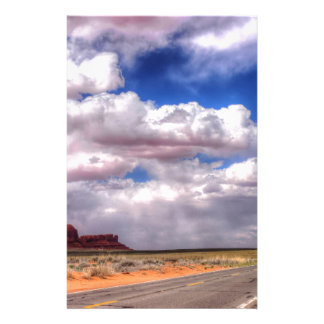 Regen-Wolken auf der Weise.  Monument-Tal, UT - AZ Briefpapier