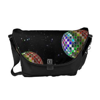 Regenbogen-Disco-Party im Raum Kuriertasche