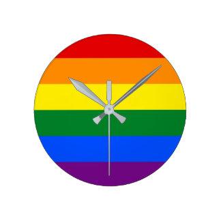 Regenbogen-Gay Pride-Flagge Runde Wanduhr