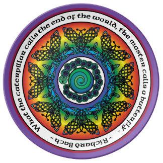 Regenbogen-keltische Schmetterlings-Mandala Teller