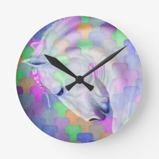 Regenbogen-Kubismus-pferdeartige Kunst Runde Wanduhr