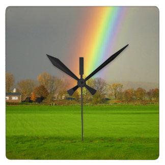 Regenbogen nach dem Sturm-Uhr! Quadratische Wanduhr
