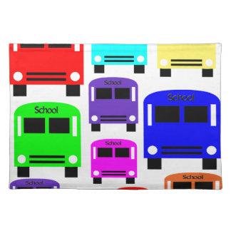 Regenbogen-Schulbusse Stofftischset