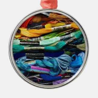 Regenbogen-Stickerei-Glasschlacke   verlegt Silbernes Ornament