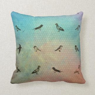 Regenbogen-Vogel-Muster Kissen