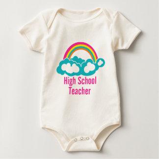 Regenbogen-Wolken-hoher Schullehrer Baby Strampler