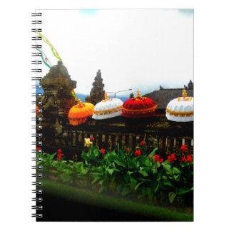 Regenschirm-Bali-Spritzen-Vorlage Spiral Notizblock