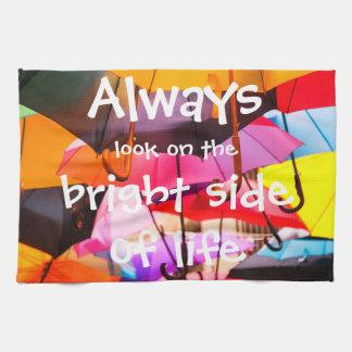 Regenschirme/immer Blick auf der Sonnenseite des Handtuch