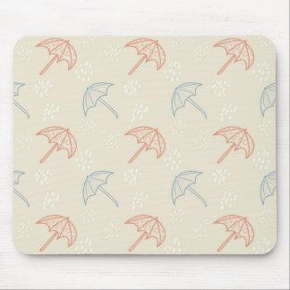 Regenschirme und Regen-nahtloses Muster Mousepad