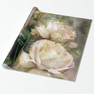 Regentropfen auf antiker weißer geschenkpapier