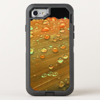 Regentropfen-Nahaufnahme, Spacey Rost-Orange OtterBox Defender iPhone 8/7 Hülle
