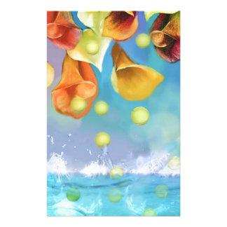 Regnen der Tennisbälle über dem Meer Briefpapier