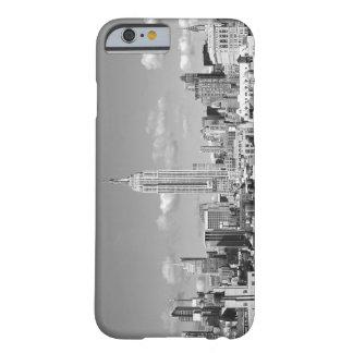Reich-Staats-GebäudeNYC Skyline-geschwollener Barely There iPhone 6 Hülle