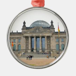 Reichstag Gebäude in Berlin, Deutschland Rundes Silberfarbenes Ornament