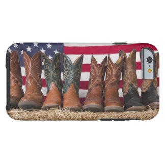 Reihe der Cowboystiefel auf Heuschober Tough iPhone 6 Hülle