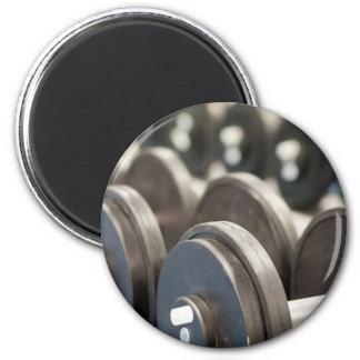 Reihe der Dumbbells-Nahaufnahme Runder Magnet 5,7 Cm