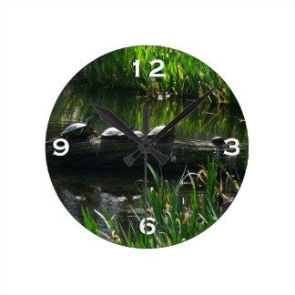 Reihe Schildkröte-des grünen Natur-Fotos Runde Wanduhr
