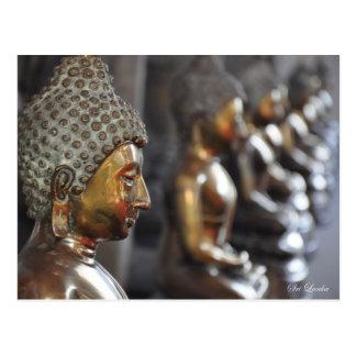 Reihe von Buddha-Skulpturen Postkarte