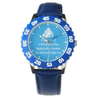 Reise von tausend Meilen - sarkastische Zen-Phrase Armbanduhr