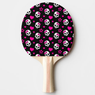 Reizende Goth Schädel im hellen Rosa Tischtennis Schläger