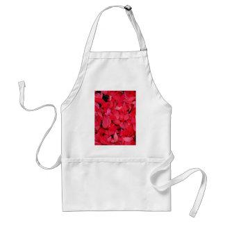 Reizender Rosenkönig der Rosen-roten Blumenblätter Schürze