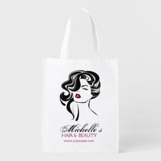 Reizendes Mädchen mit gewelltes Haar Make-upikone Wiederverwendbare Einkaufstasche