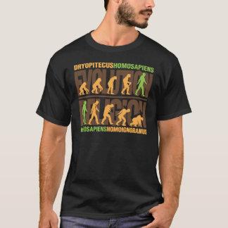 Religion gegen Evolution T-Shirt