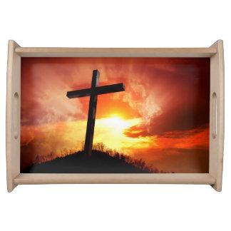 Religiöses Ostern-Kreuz am Sonnenuntergang Serviertablett