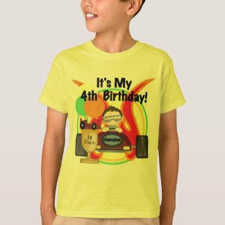 Rennwagen-4. Geburtstags-T-Shirts und Geschenke T-Shirt