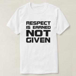 Respekt wird grundlegenden T - Shirt erworben