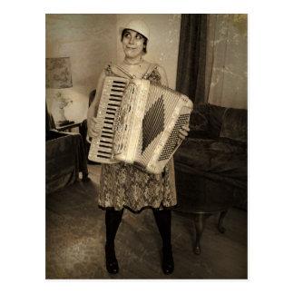 Retro Akkordeon-Mädchen Postkarte